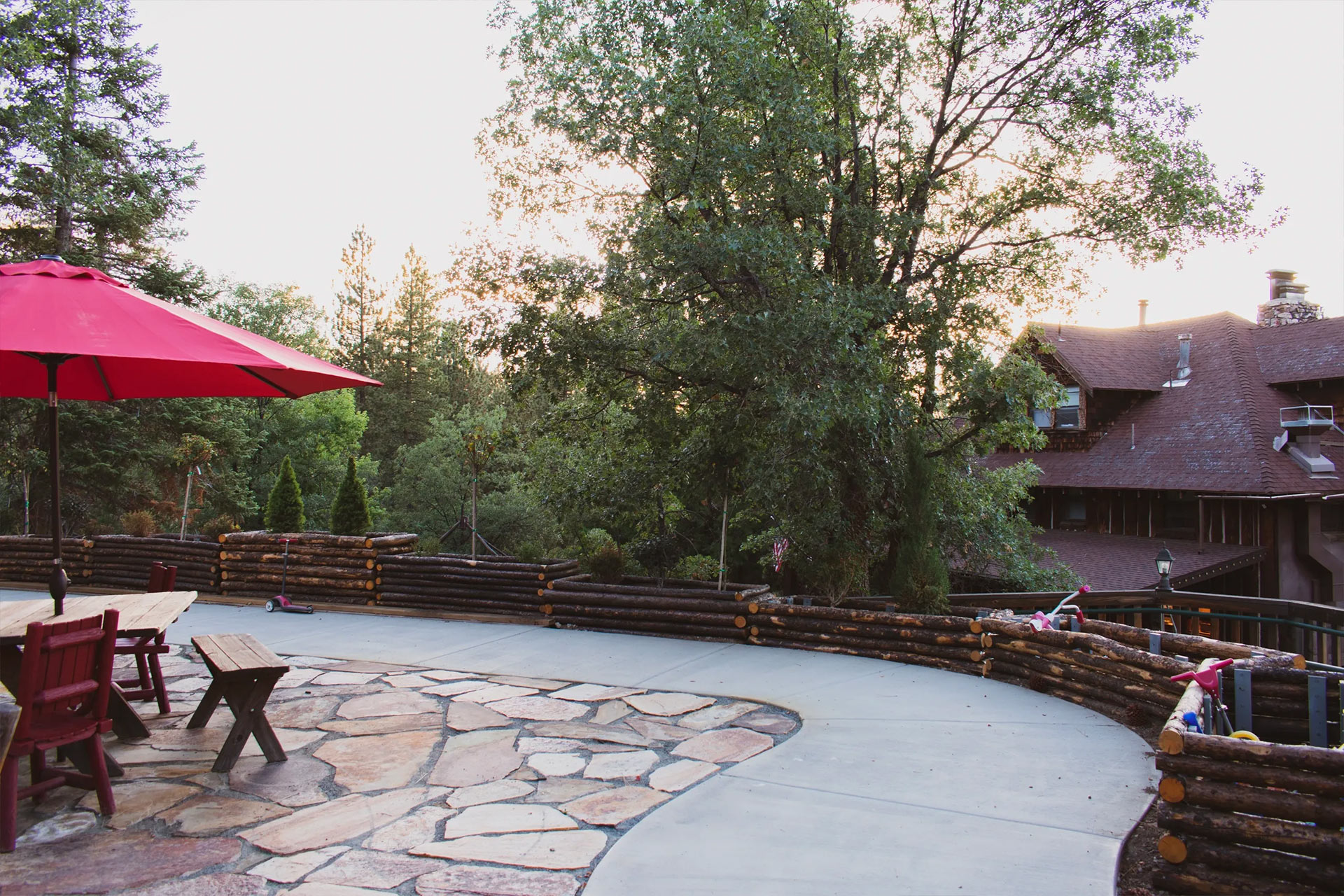 Red sunshade with a view or Big Bear Lake Forest